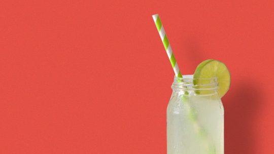 photo de la limonade de sureau- personnaliser votre pique-nique